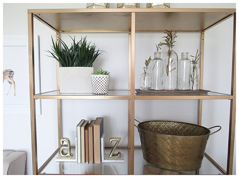 gender-neutral-nursery-gold-shelf-decor