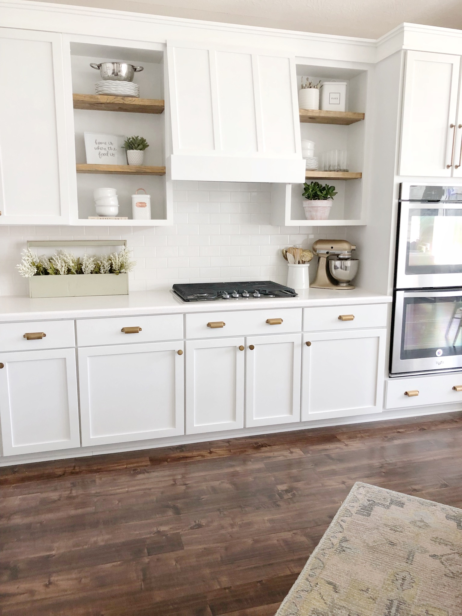 Diy Kitchen Vent Hood And Cabinet Molding The Blooming Nest